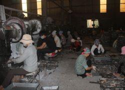 Hình ảnh sản xuất Hộp đồng hồ nước ở Làng Rùa